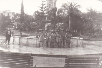 Australian soliders sightseeing in Tripoli, 1942